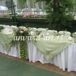zeleno beli svečani stolnjaci
