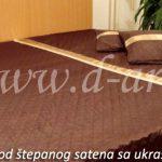 prekrivac za bracni krevet od braon satena